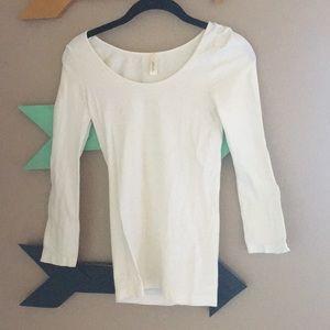 3/4 sleeve undershirt